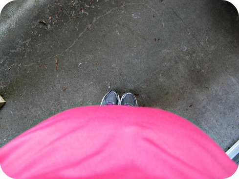 tummy & toes